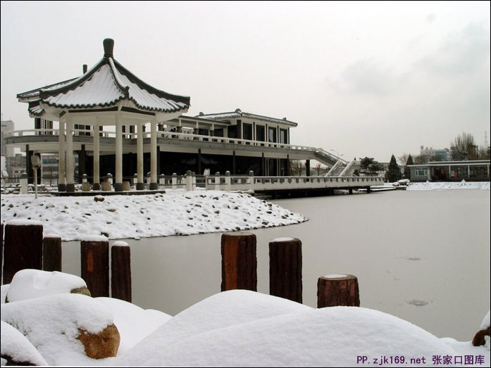 lovebet爱博网址人民公园雪景图片