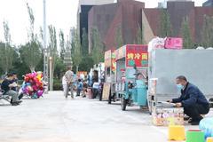 張家口繁榮地攤小經濟,設置6個便民市場